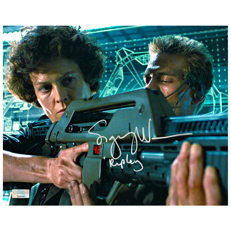 Sigourney Weaver Autographed Aliens 8×10 Scene Photo