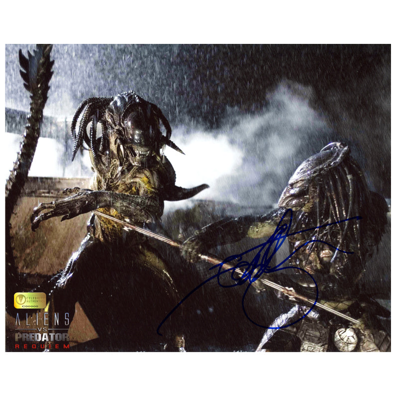 Ian Whyte Autographed AVP: Aliens vs Predator Requiem Duel 8×10 Photo