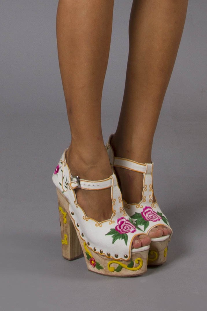 AT THE HEART OF IT - PLATFORM WEDGES