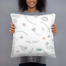 Load image into Gallery viewer, Pollinators pattern pillow - VARANDA DESIGN