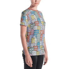 Load image into Gallery viewer, Model wearing the short sleeve t-shirt wishes in the city by Varanda Design - right