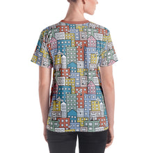 Load image into Gallery viewer, Model wearing the short sleeve t-shirt wishes in the city by Varanda Design - back