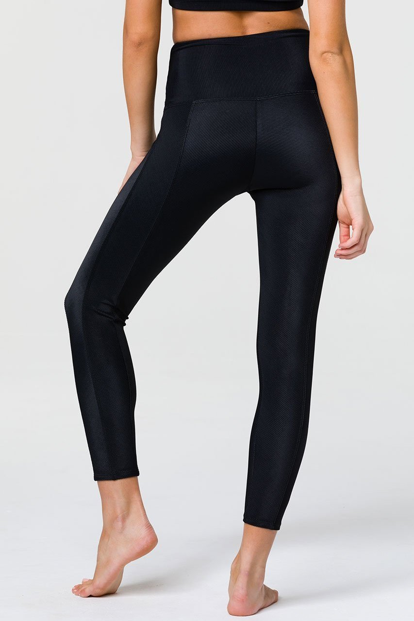 Onzie Sweetheart Black Midi Leggings