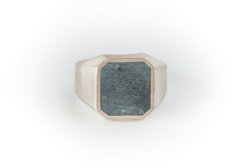 Concrete Jungle-Silver-Signet-Ring
