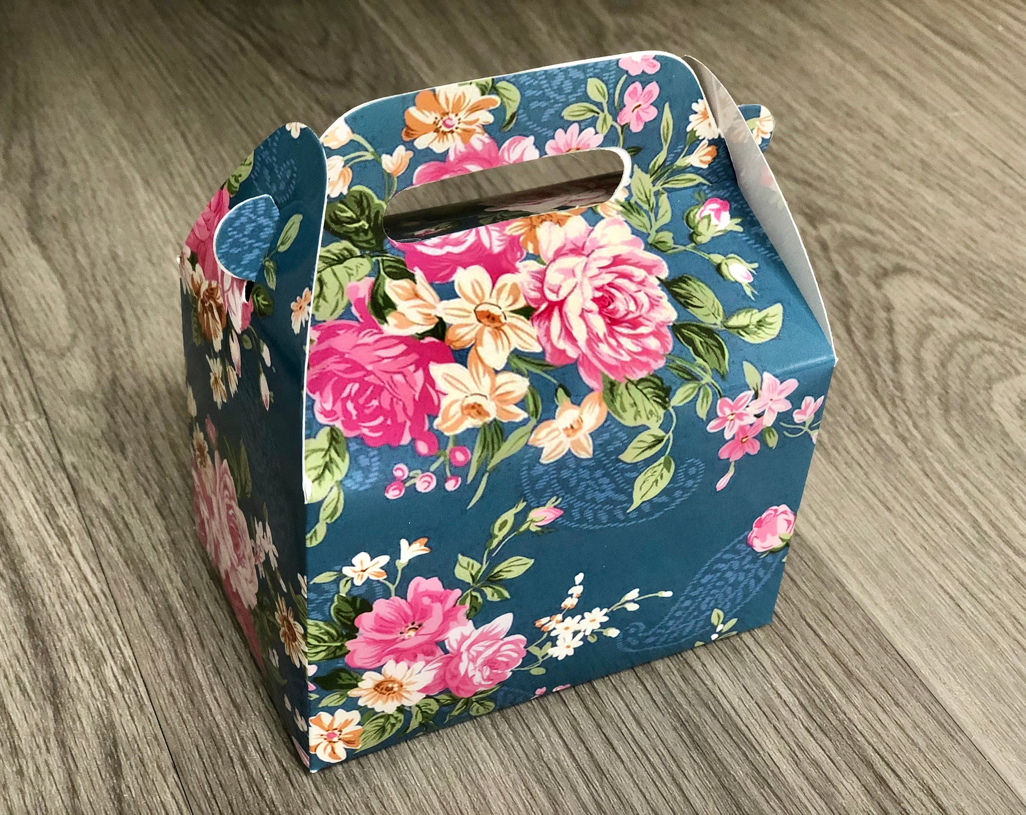 Floral Pattern Favor Boxes / Treat Boxes / Gift Boxes