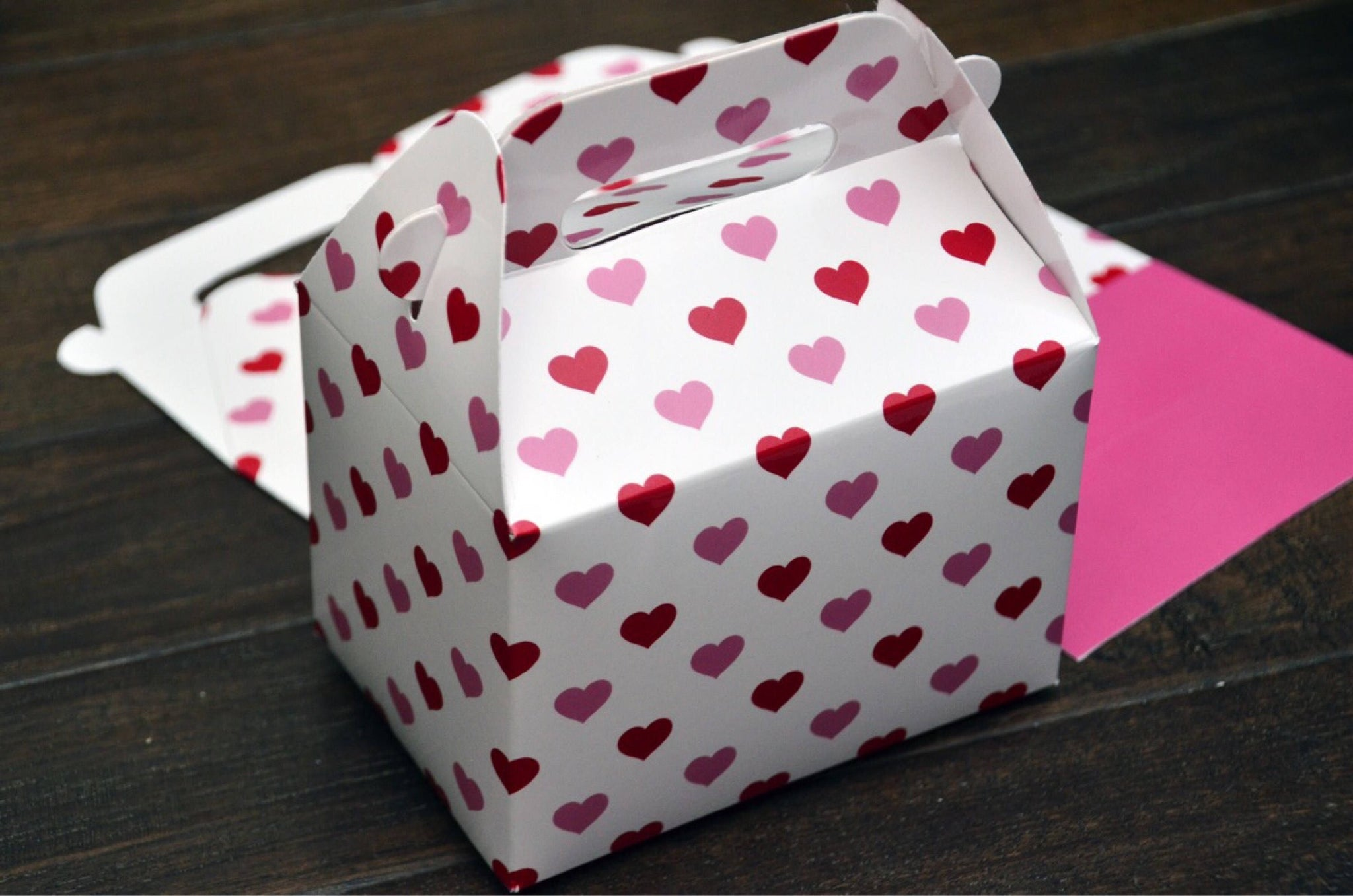 Valentine's Day Red Pink Sweet Heart Pattern Wedding Favor Boxes / Treat Boxes / Gift Boxes