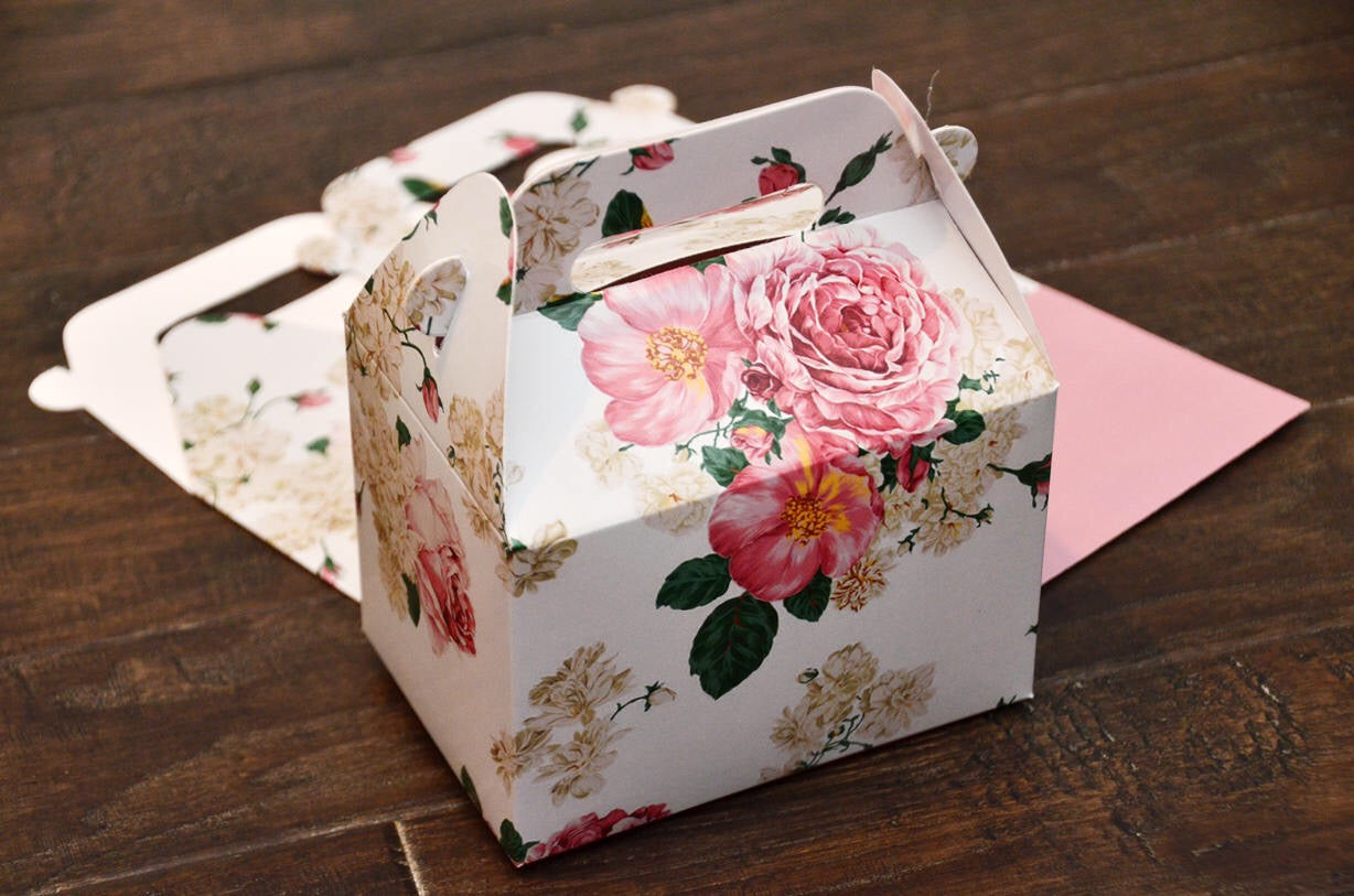 Shabby Chic Pink Floral Pattern Favor Boxes / Treat Boxes / Gift Boxes