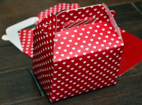 Valentine's Day Red Heart Pattern Favor Boxes / Treat Boxes / Gift Boxes