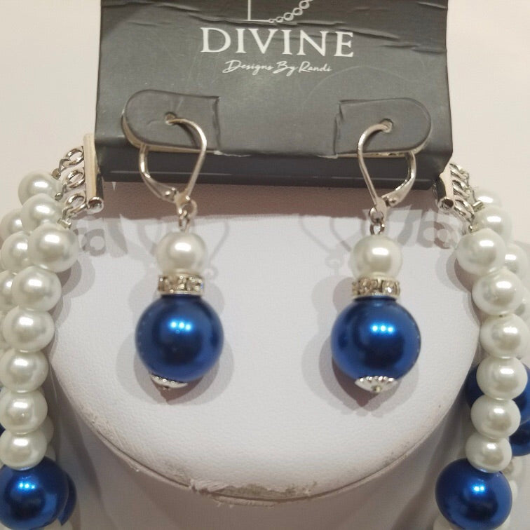 Pearls of Royal 4 Twist with matching Earrings
