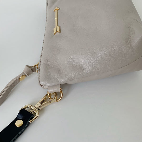 Mini bag arrow Gris