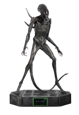 Alien Covenant Life Size Statue - LM Treasures Life Size Statues & Prop Rental