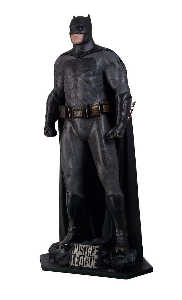 Batman Justice League - Life Size Statue (Classic Suit) - LM Treasures