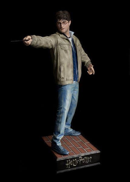 Harry Potter Life Size Statue (Daniel Radcliffe) - LM Treasures Life Size Statues & Prop Rental