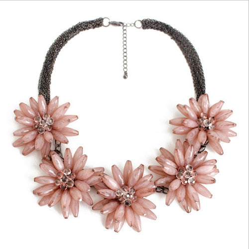 Free Shipping 2018 Best Quality Classic 3 Red pink blue Flowers Resin Necklace beaded rose necklace  Favorite women Necklace