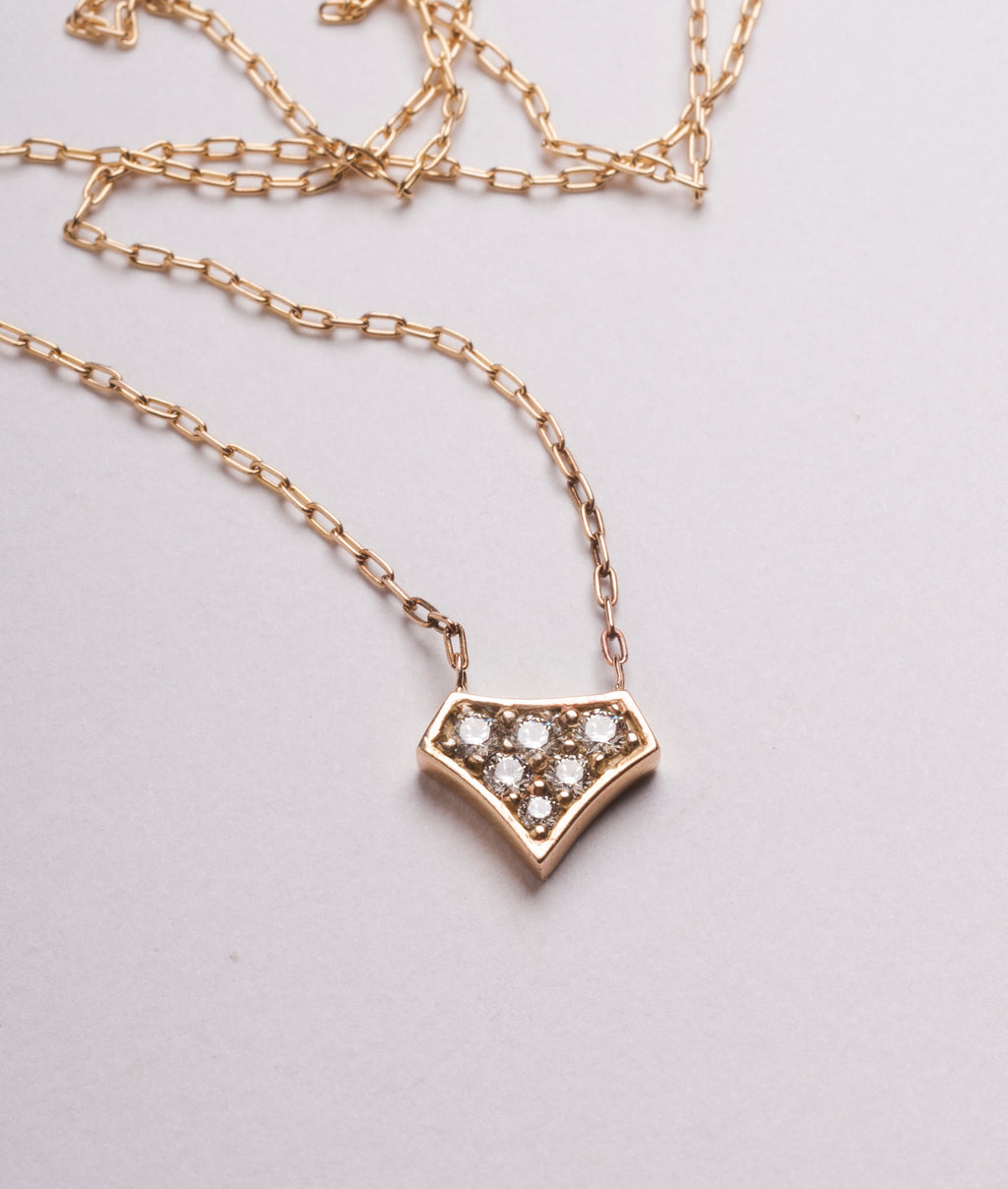 DIAMOND SHIELD PENDANT YELLOW GOLD