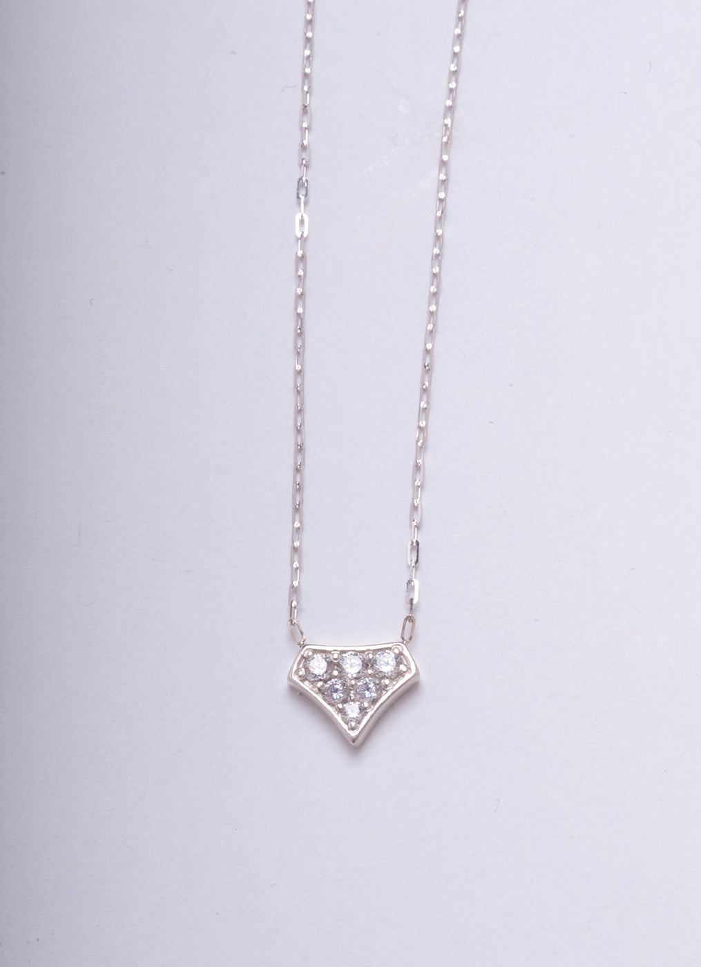 DIAMOND SHIELD PENDANT WHITE GOLD