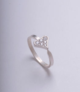 DIAMOND SHIELD RING WHITE GOLD