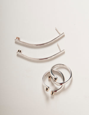 CURVED BAR POST EARRING