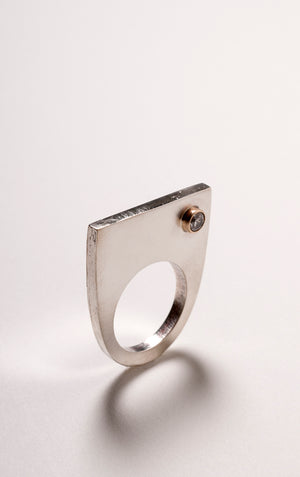 STERLING AND 14 K SIDE EYE RING