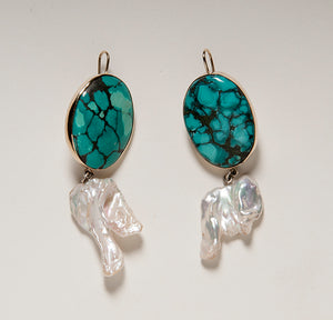 KESHI PEARL AND TURQUOISE EARRINGS IN 18 K YELLOW GOLD