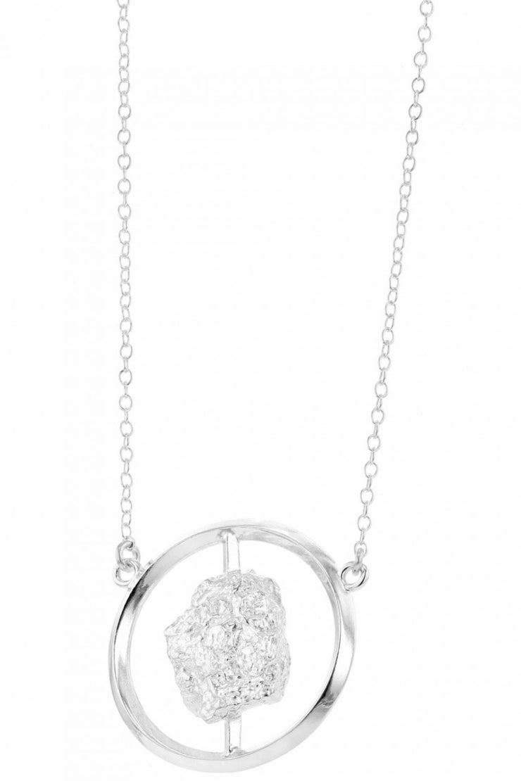 Grus Erosion Circle Necklace Silver