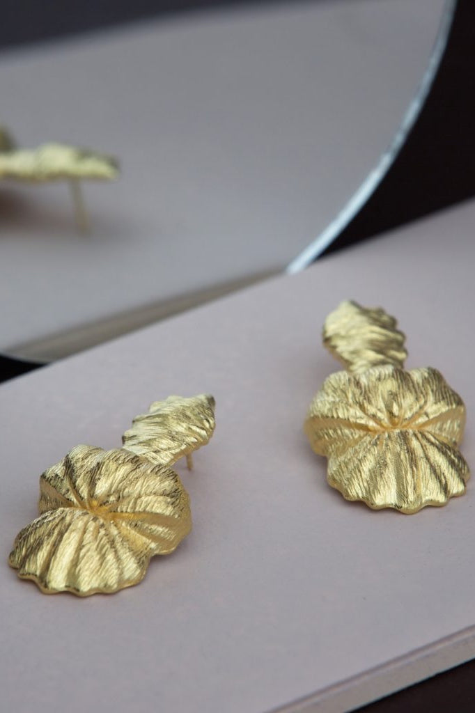 Seashell The Queen Conch Earrings Gold