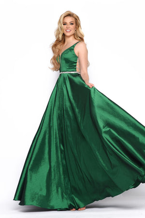 Jasz Couture 7070 prom dress images.  Jasz Couture 7070 is available in these colors: Hunter Green.