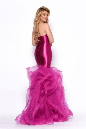 Jasz Couture 7127 prom dress images.  Jasz Couture 7127 is available in these colors: Black, Fuchsia, Gold, Red, Teal, Yellow.