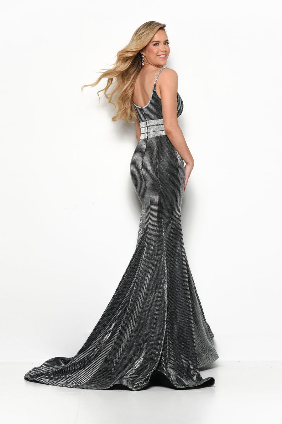 Jasz Couture 7133 prom dress images.  Jasz Couture 7133 is available in these colors: Gold, Gunmetal.