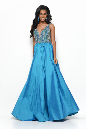 Jasz Couture 7136 prom dress images.  Jasz Couture 7136 is available in these colors: Teal.