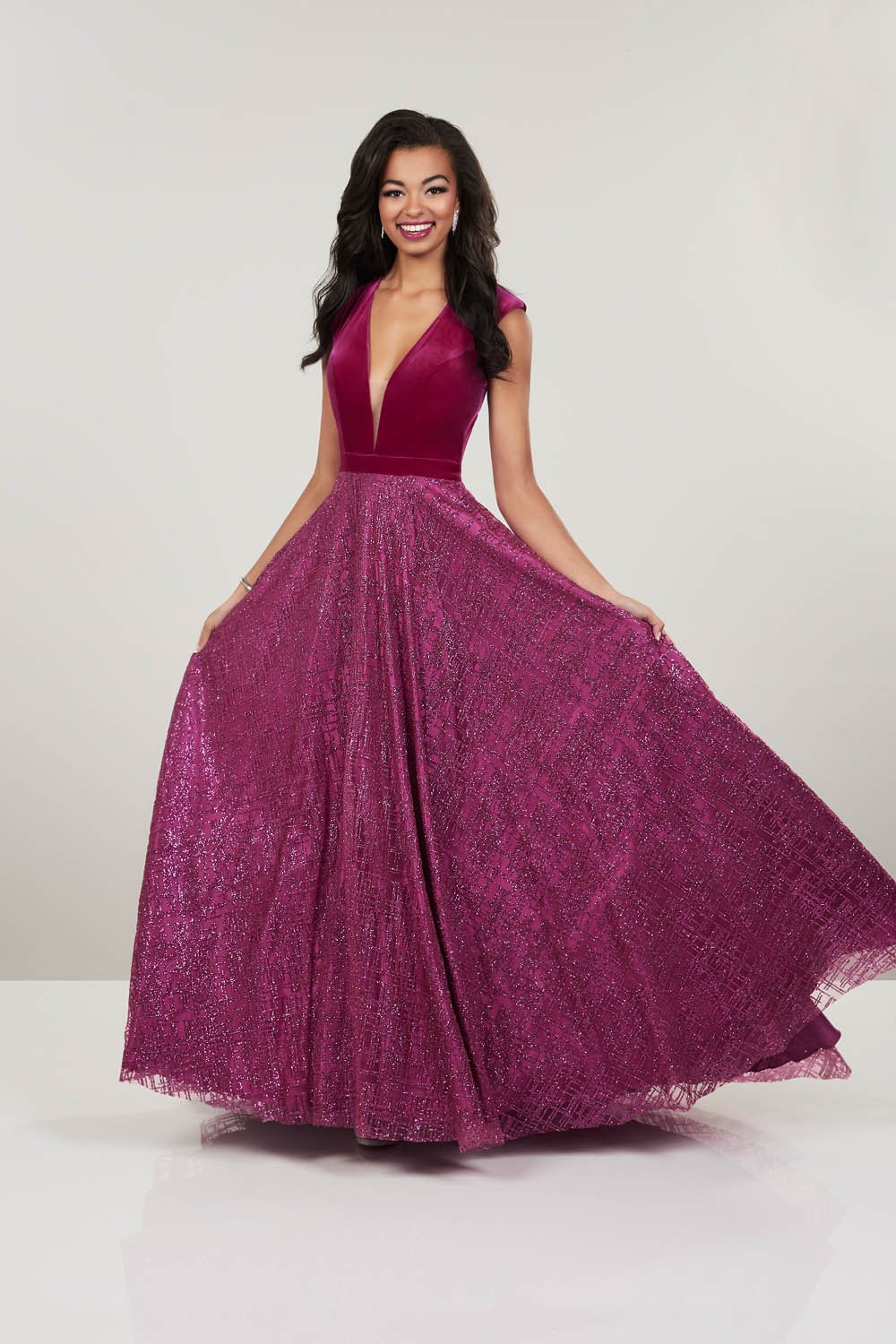 Panoply 14911V prom dress images.  Panoply 14911V is available in these colors: Black, Magenta.