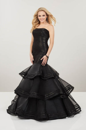 Panoply 14953 prom dress images.  Panoply 14953 is available in these colors: Black, Red, White.