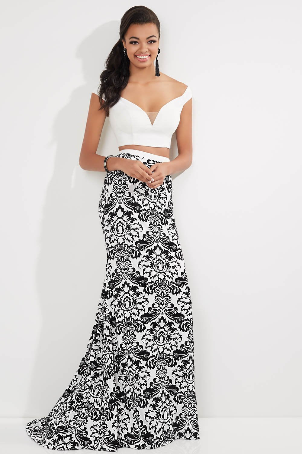 Studio 17 12712 prom dress images.  Studio 17 12712 is available in these colors: Black Print, White Print.