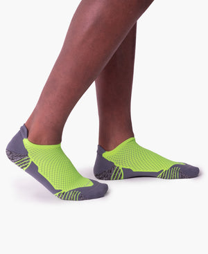 mens ankle sock in grey with yellow on feet