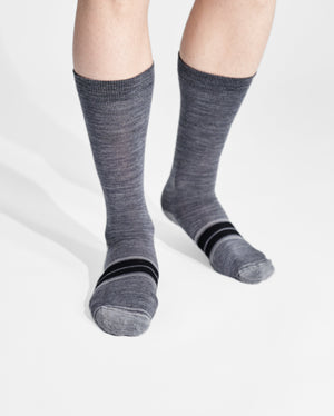 mens crew sock in heather grey on feet