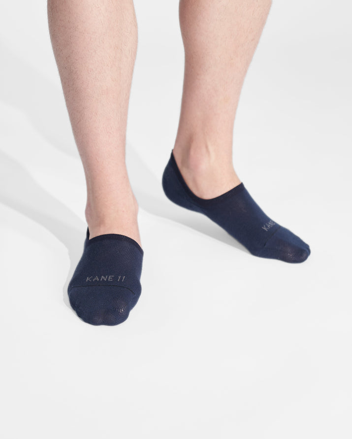 mens no-shows sock in navy on feet