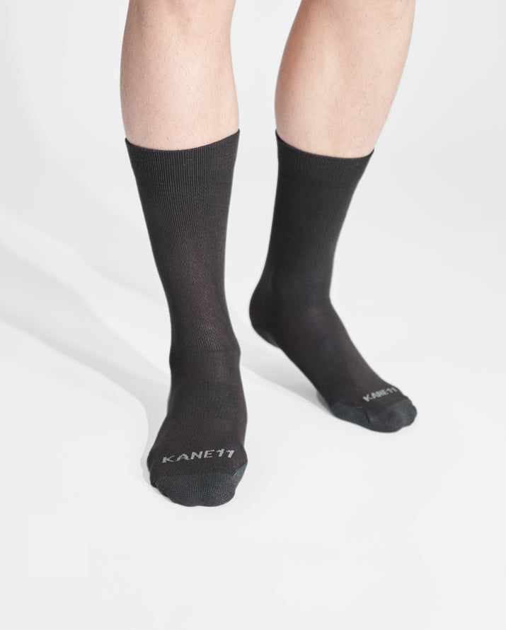 mens crew sock in dark grey on feet