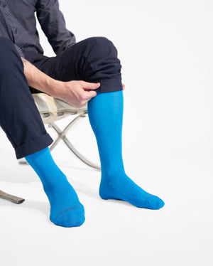 mens knee high sock in sky blue style