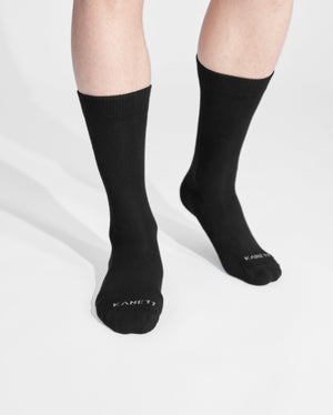 mens crew sock in black on feet