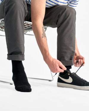 mens crew sock in black style