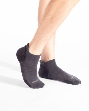 mens ankle sock in charcoal feet