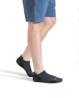 mens ankle sock in charcoal. Lifestyle