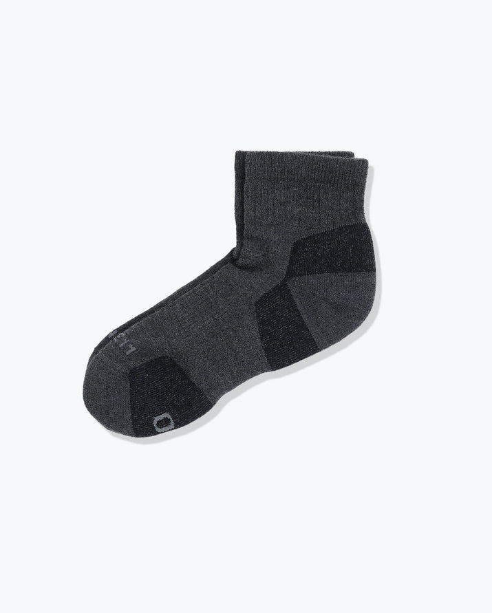 mens quarter sock in charcoal grey laid flat