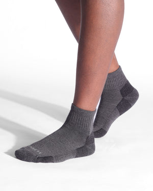 mens quarter sock in charcoal grey on feet