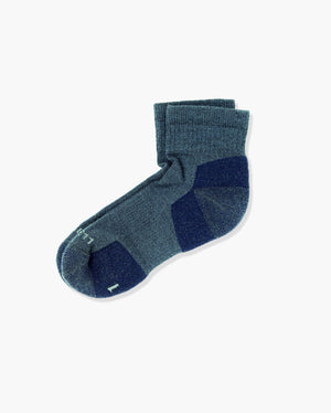 mens quarter sock in heather blue laid flat
