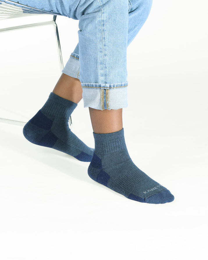 mens quarter sock in heather blue, lifestyle