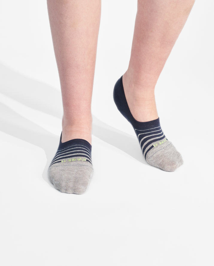 womens no-shows sock in navy with heather grey on feet