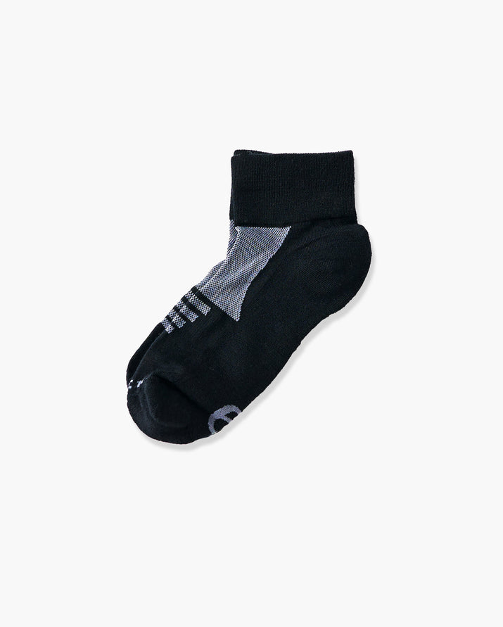 womens quarter sock in black with grey laid flat