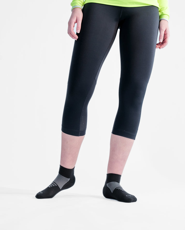 womens quarter sock in black with grey style