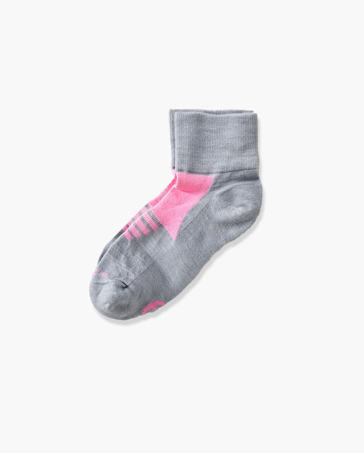 womens quarter sock in grey with pink laid flat